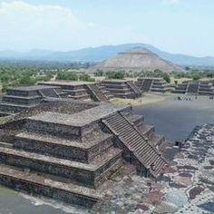 Das Foto wurde bei Pirámides de Teotihuacán von Laura F. am 5/20/2013 aufgenommen