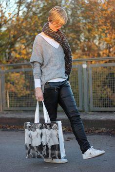 Leder und Strick passt einfach toll zusammen... und in schwarz weiß und grau für mich fast unschlagbar... <3  http://ahemadundahos.de/outfit-leder-und-strick-oder-einkaufen-bis-die-karte-glueht/