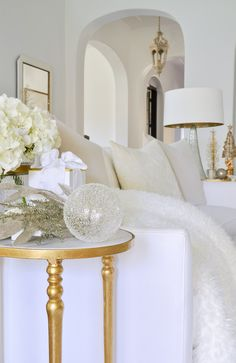 Looking for a Christmas Home Tour that will offer inspiration for nearly every room in your home? Welcome to Decor Gold Designs' Christmas Home Tour!