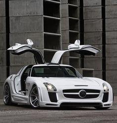 Mercedes-Benz SLS Gullstream