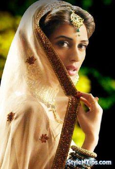 Iman Ali my top Pakistani Models Top Celebrities, Bollywood Celebrities, Pakistani Movies, Ali Rose, Sajal Ali, Asian Bride, Female Actresses, Female Models, Beautiful Women