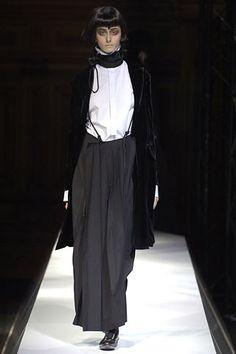 Yohji Yamamoto Spring 2007 Ready-to-Wear Collection Photos - Vogue