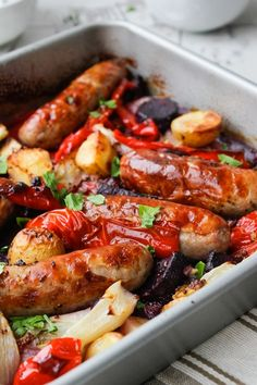 Simple ingredients, simple supper, big flavors! This Sausage, fennel and pepper roast is the perfect weekday meal for any busy household.