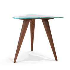 Wood Tripod side table, in natural oak and finished with quality lacquer sealers. Pure extra clear glass. By Glassisimo #Glassisimo #Glass #GlassFurniture #Wood #Oak #Natural  http://www.glassisimo.com/