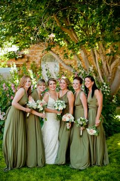 Love these comfy looking, knit, sage green dresses. No matter what angle, they look good!