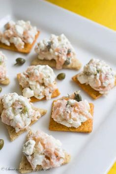 Combine it with salmon, capers, and dill for a downright classy party snack. 30 Ways To Eat Cottage Cheese That Are Actually Delicious Cottage Cheese Breakfast, Cottage Cheese Recipes, Smoked Salmon Starter, Tapas, Mezze, Healthy Snacks, Healthy Recipes, Healthy Eating, Delicious Recipes