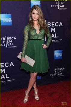 sasha pieterse andrea bowen gbf tribeca 01, Sasha Pieterse and Andrea Bowen glam up the red carpet at the premiere of G.B.F. during the 2013 Tribeca Film Festival on Friday night (April 19) in New York City.…