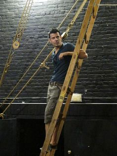 Just chillin' on a ladder backstage.