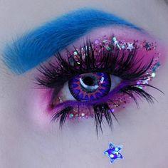 Super creative makeup looks which we love. Eye Makeup Designs, Eye Makeup Art, Eyeshadow Makeup, Makeup Eyes, Cute Makeup Looks, Pretty Makeup, Purple Contacts, Colored Contacts, Gijinka Pokemon