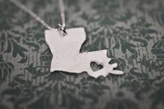 custom state necklace. Love it! Though Colorado would be a bit boring, wouldn't you say?
