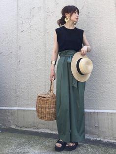 定番のワイドパンツは、夏こそ大活躍!今季らしい着こなしで、とことんワイドパンツを着回しちゃいましょう♡ Only Fashion, Cute Fashion, Fashion Pants, Womens Fashion, Fasion, Fashion Ideas, Fashion Inspiration, Japanese Minimalist Fashion, Minimalist Style