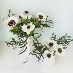 schwarz-weisse Anemonen und Eukalyptus by happyhomeblog.de