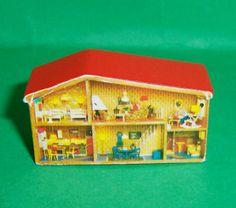 VINTAGE-1970s-LUNDBY-DOLLS-HOUSE-MINIATURE-DOLLS-HOUSE