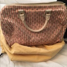 Louis vuitton limited edition pink Pre loved offer tru ️️ authentic Louis Vuitton Bags Totes