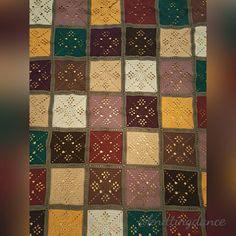 All connected. Almost done. Not sure about the border yet. #victorianlatticesquare #autumnjewels #thepatchworkheart #grannysquare #crochetaddict #crochet #crochetblanket #häkeln #häkeldecke #instacrochet #yarnaddict #deramoresstudiodk #craft #hobby by knittingdance