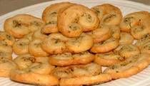 This herbes de Provence palmiers recipe features dried herbes de Provence, garlic, olive oil, and puff pastry. The savory cookies make a great appetizer. French Appetizers, Great Appetizers, Appetizer Recipes, Pastry Recipes, Cooking Recipes, French Beignets, Biscotti Recipe, Palmiers, Food And Drink