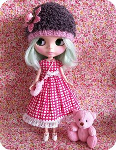pretty in pink..Blythe is ADORABLE!