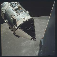 La Luna fotografata dagli astronauti della NASA - Il Post