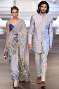 We've watched an Indian movie even once in our lives and we've all been charmed with these colorful traditional outfits, saree styles. Pakistani Formal Dresses, Pakistani Outfits, Indian Dresses, Indian Wedding Outfits, Indian Outfits, Bridal Outfits, Indian Weddings, Saree Jackets, Indian