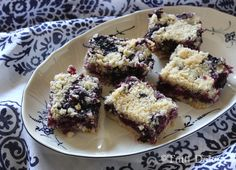 blueberry crumb bars!