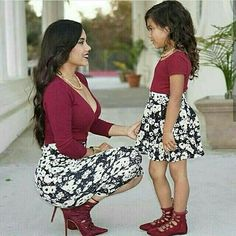 Spring Style Matching Mother and Daughter Dress Family Look Mommy and Me Clothes Long Sleeve Short Dress in 2020 Mother Daughter Photos, Mother Daughter Matching Outfits, Mother Daughter Fashion, Mommy And Me Outfits, Matching Family Outfits, Kids Outfits, Cute Outfits, Mother Daughters, Mom Daughter