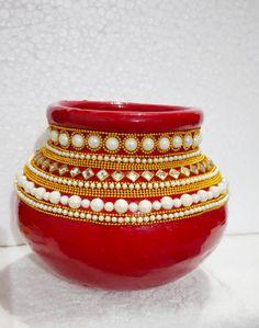 Janamashtami Decoration Ideas, Coconut Decoration, Diwali Decoration Items, Painted Wine Bottles, Painted Vases, Wedding Crafts, Diy Wedding Decorations, Kalash Decoration, Ganapati Decoration