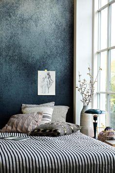 wandtapeten schlafzimmer teppich penedelleuchte | أفكار ديكور ...