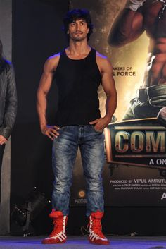 Vidyut Jamwal commando movie promotional event Christmas Campaign, Promotional Events, Actor Photo, Rosie Huntington Whiteley, Bollywood Actors, Attractive Men, Fitness Goals, Martial Arts, Eye Candy