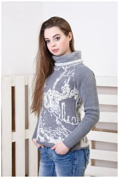 Shortened wool stylish and unique sweater by GenuineWoolheart