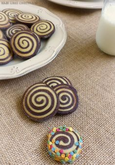 Galletas en forma de espiral, espirales de vainilla y chocolate, cookies en forma de espiral, cookies de vainilla y chocolate, receta espira...