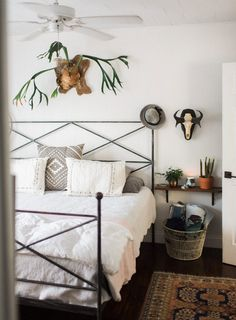 In Florida, The Rustic Bungalow of Two Florists | Design*Sponge