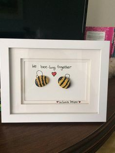 Items similar to Bee pebble art picture on Etsy This custom made picture is perfect for the love of your life, a house warming gift for your housemate, or a Christmas message for your loved ones. Box Frame Art, Box Frames, Box Art, Stone Pictures Pebble Art, Stone Art, Stone Crafts, Rock Crafts, Pebble Painting, Stone Painting