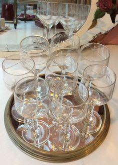 kauniit viinilasit . hiottua lasia . korkeus 16.5cm . 7 kpl . samaan sarjaan myös valkoviinilaseja . @kooPernu