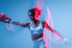 Sport and Fitness Studio Photography with Motion Blur and Gifs Sport Fashion, Fitness Fashion, Fashion Shoot, Male Fitness Photography, Motion Photography, Fashion Photography, Nike Neon, Fitness Photoshoot, Senior Fitness