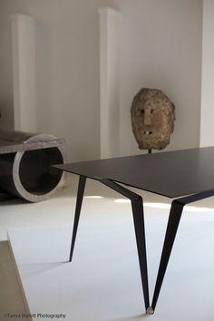Geschmeidig: Panther Table von Maximilian Eicke