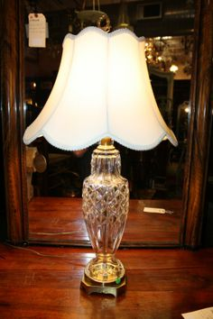 Crystal table lamp : Lot 90A