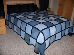 Cool Blue Jean Quilt! This is the one a wanna try to make.
