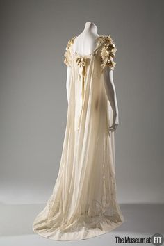 Nightgown 1907 United States Museum at FIT