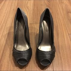 Lulu Townsend charcoal grey peep-toe pumps Lulu Townsend charcoal grey peep-toe pumps. Only worn once, in excellent condition! No trades or PP. Lulu Townsend Shoes Heels