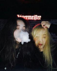 ☾pιɴтєrєѕт:cнσcσмuяℓк ☽ Korean Girl Cute, Korean Girl Ulzzang, Ulzzang Couple, Asian Girl, Friends Korean, Couple Girls, Cute Lesbian Couples, Uzzlang Girl, Korean Couple