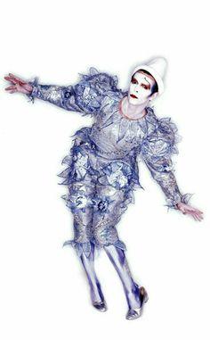 Bowie: 1980 Cross Leg Clown