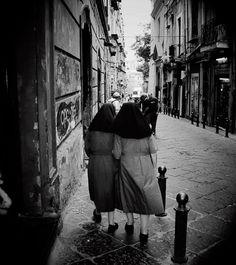 Chatty Nuns I Napoli