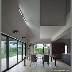 音楽スタジオのある家 | 新築一戸建て | サポート実例 | FORZA北九州 Conference Room, Windows, Table, House, Furniture, Home Decor, Decoration Home, Home, Room Decor