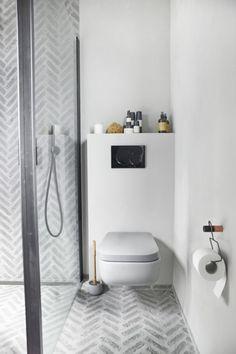 Scandinavian Bathroom By Slow Design Studio, Norway – Design. Slow Design, Interior, Glamorous Bathroom Decor, Bathroom Interior, Painting Bathroom, Scandinavian Bathroom, Norway Design, Bathrooms Remodel, Bathroom Decor