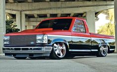 Viper red and black 1992 Ford Ranger - Mini Truckin