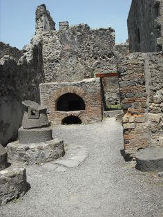 Pompei: original kitchen/stove