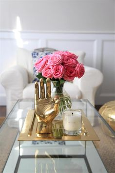 Elegant Home Decor, Elegant Homes, Diy Home Decor, Coffee Table Styling, Decorating Coffee Tables, How To Decorate Coffee Table, Coffee Table Centerpieces, Ideas Cafe, Decoration Chic