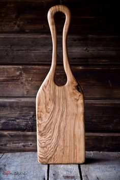 Ash wood handcrafted serving board with big handle