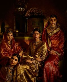 Sabyasachi Indian Couture 2017 The Baroda Collection Tissue Saris Sabyasachi Jadau Jewelry Indian Attire, Indian Outfits, Indian Clothes, Indian Wear, Indian Style, Indian Dresses, Saree Jewellery, Temple Jewellery, Bridal Jewellery