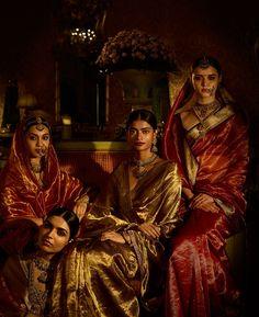 Sabyasachi Indian Couture 2017 The Baroda Collection Tissue Saris Sabyasachi Jadau Jewelry Victor Hugo, Saree Jewellery, Temple Jewellery, Bridal Jewellery, Sabyasachi Collection, Indian Aesthetic, Desi Wear, Indian Bridal Fashion, Desi Clothes
